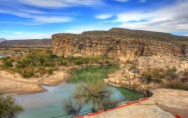 mexico-boquillas-del-carmen-overlooking-the-rio-grande